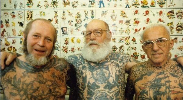 Il n'y a pas d'âge pour le tatouage ! André, 87 ans, premier tatouage à Bourg St Andéol